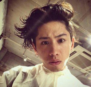 takaさんの黒髪ポンパドール