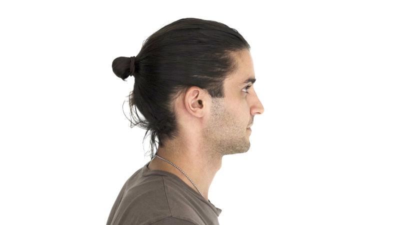マンバンとはどんな髪型?必要な長さや結び方も解説